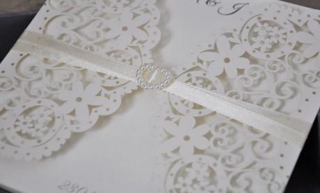 """Edle Hochzeitseinladungen """"Weißes Blumenmeer"""""""
