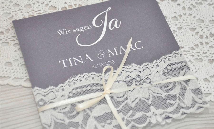 Hochzeitseinladungen spitzen strumpfband - Hochzeitseinladungen mit spitze ...